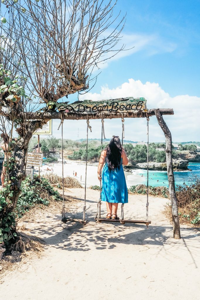 Dream Beach Swing Nusa Lembongan
